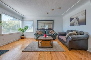 Photo 3: 522 E 5TH Street in North Vancouver: Lower Lonsdale House for sale : MLS®# R2492206