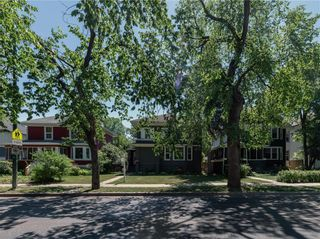 Photo 3: 1016 Grosvenor Avenue in Winnipeg: Crescentwood Residential for sale (1Bw)  : MLS®# 202116223