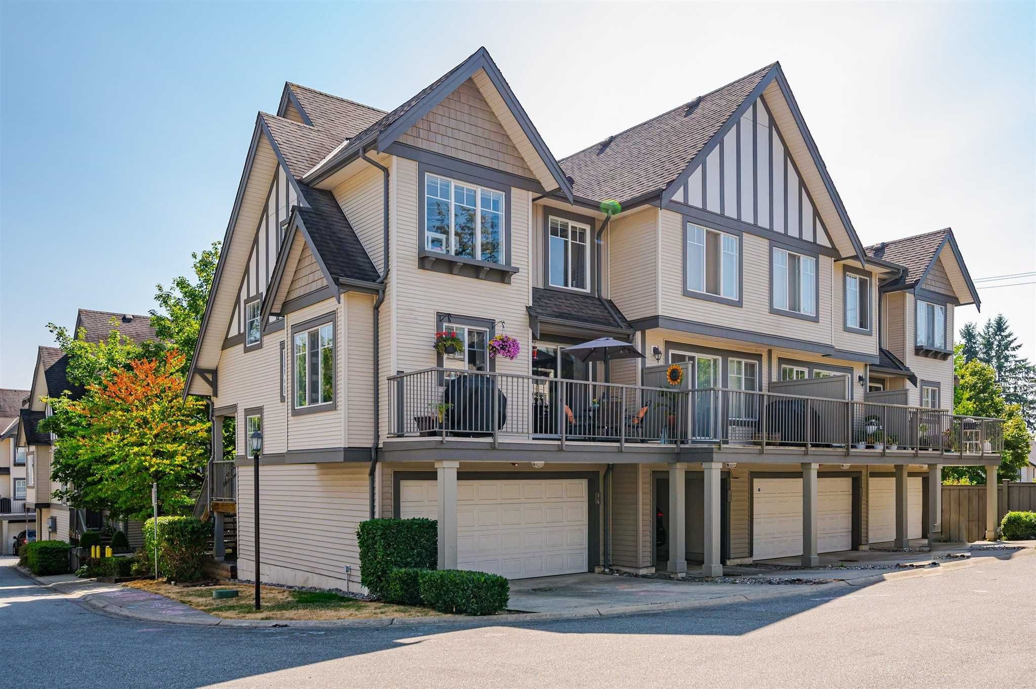 """Main Photo: 14 20038 70 Avenue in Langley: Willoughby Heights Townhouse for sale in """"Daybreak"""" : MLS®# R2605281"""