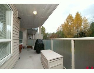 Photo 5: 309 14377 103RD Avenue in SURREY: Whalley Condo for sale (Surrey)  : MLS®# F2925534