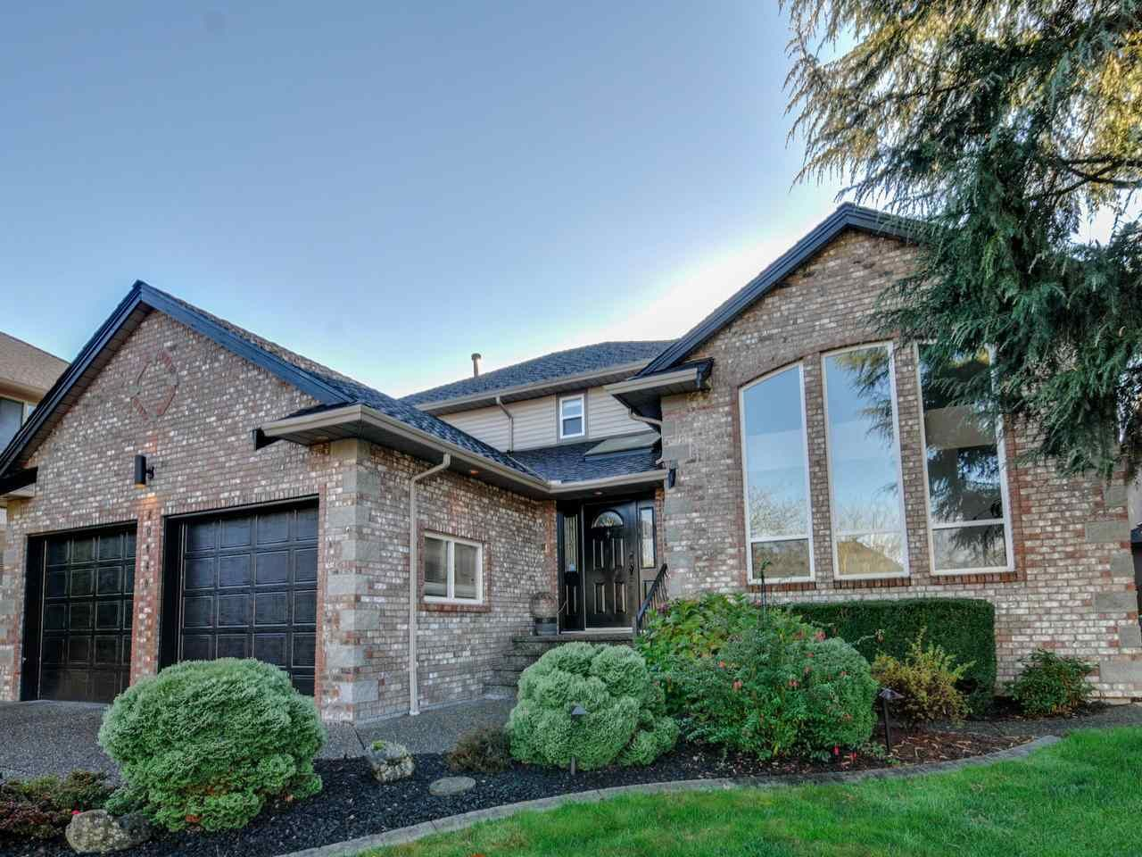 "Main Photo: 20648 91B Avenue in Langley: Walnut Grove House for sale in ""GREENWOOD ESTATES"" : MLS®# R2323442"