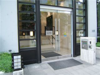 """Photo 3: 2306 1255 SEYMOUR Street in Vancouver: Downtown VW Condo for sale in """"ELAN"""" (Vancouver West)  : MLS®# V839228"""