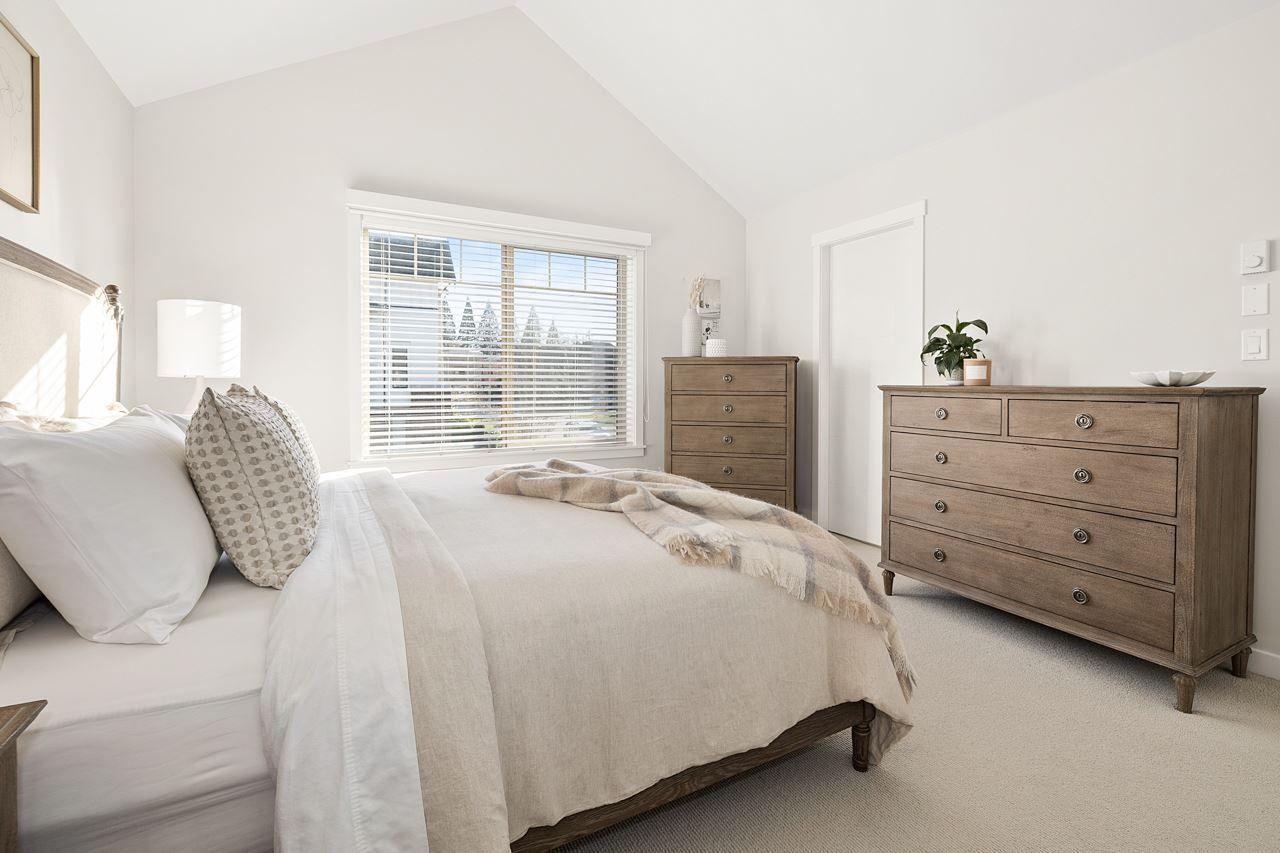 "Photo 17: Photos: 2452 165 Street in Surrey: Grandview Surrey Condo for sale in ""Hycroft"" (South Surrey White Rock)  : MLS®# R2545917"