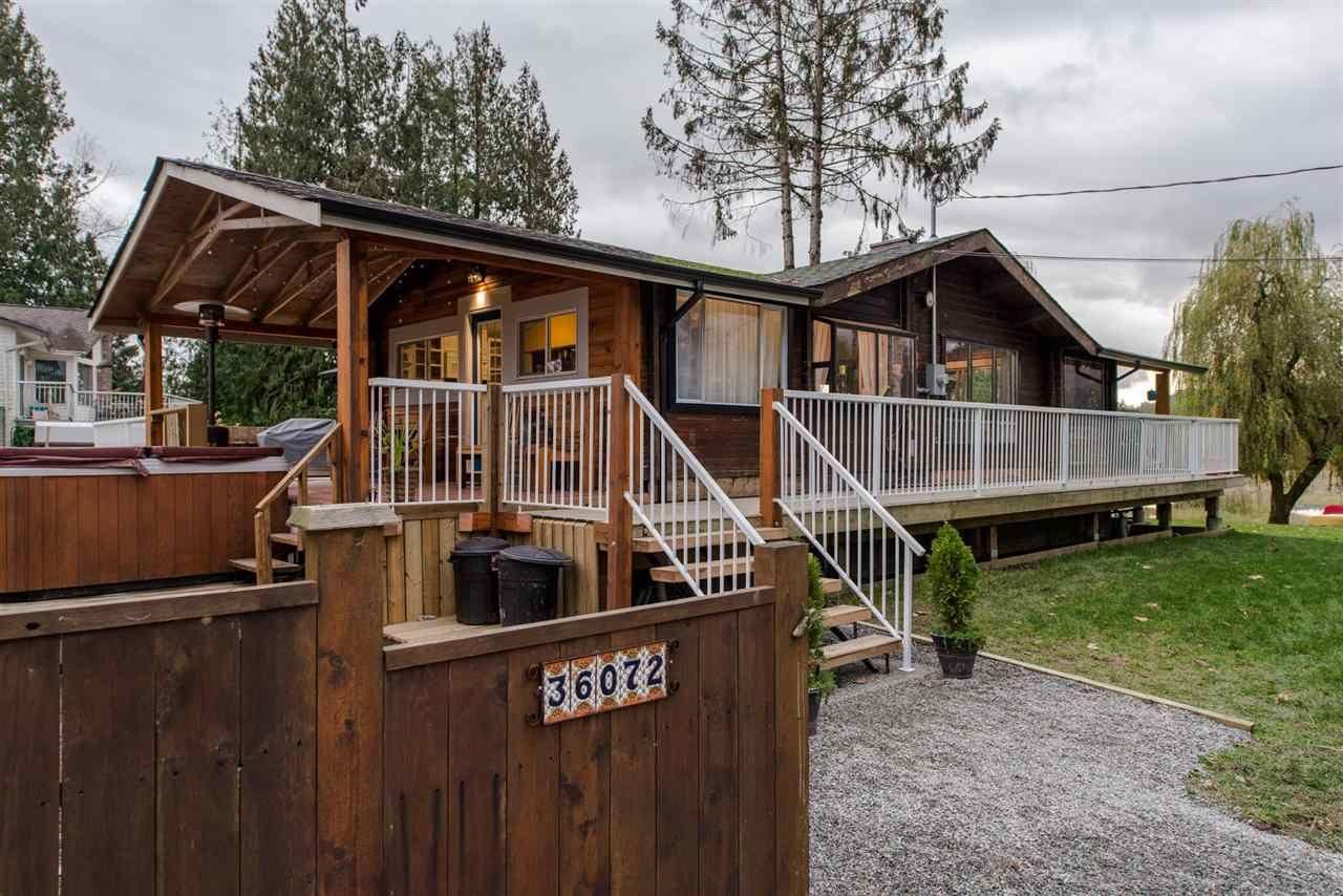 "Main Photo: 36072 SHORE Road in Mission: Dewdney Deroche House for sale in ""Hatzic Lake"" : MLS®# R2321298"