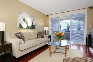 """Photo 2: 207 15164 PROSPECT Avenue: White Rock Condo for sale in """"WATERFORD PLACE"""" (South Surrey White Rock)  : MLS®# R2032759"""