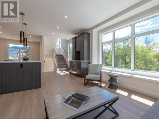 Photo 4: 383 TOWNLEY STREET in Penticton: House for sale : MLS®# 183468