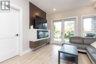 Photo 7: 103 741 Travino Lane in Saanich: House for sale : MLS®# 885483