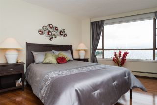 """Photo 12: 809 15111 RUSSELL Avenue: White Rock Condo for sale in """"PACIFIC TERRACE"""" (South Surrey White Rock)  : MLS®# R2141552"""