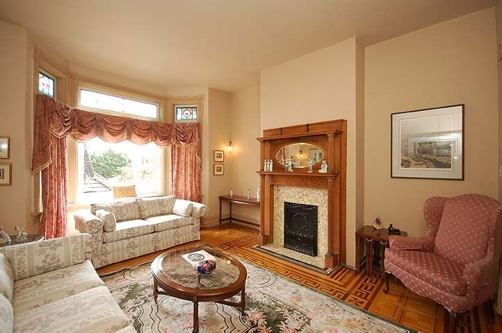 """Photo 5: Photos: 126 GRANVILLE Street in New Westminster: Queens Park House  in """"QUEENS PARK"""" : MLS®# V819929"""
