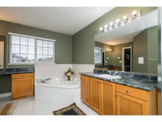 Photo 14: 3537 SUMMIT Drive in Abbotsford: Abbotsford West House for sale : MLS®# R2140843