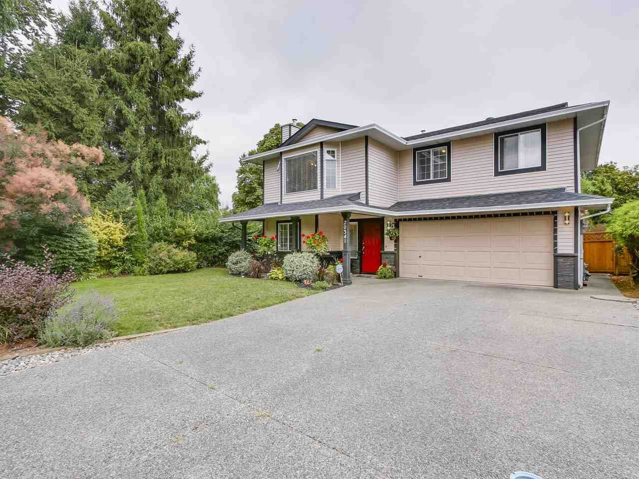 Main Photo: 20341 WALNUT Crescent in Maple Ridge: Southwest Maple Ridge House for sale : MLS®# R2199123