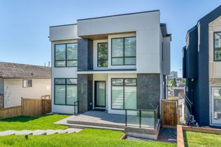 Photo 3: 1005 Drury Avenue NE in Calgary: Bridgeland/Riverside Detached for sale : MLS®# A1121574