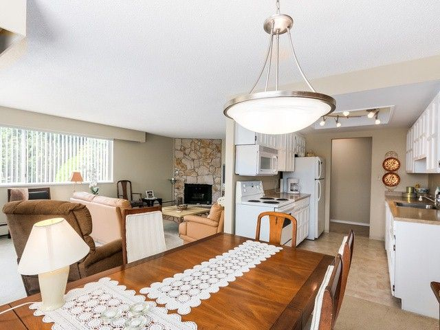 """Photo 6: Photos: 203 15010 ROPER Avenue: White Rock Condo for sale in """"Baycrest"""" (South Surrey White Rock)  : MLS®# F1417713"""