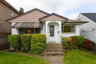 Photo 1: 4855 DUMFRIES Street in Vancouver: Knight House for sale (Vancouver East)  : MLS®# R2579338