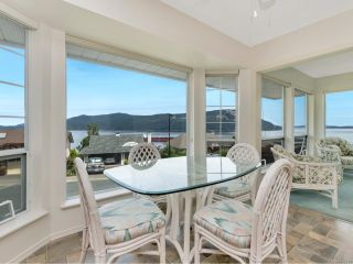Photo 5: 556 Marine View in COBBLE HILL: ML Cobble Hill House for sale (Malahat & Area)  : MLS®# 845211