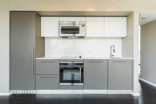 """Photo 10: 2302 999 SEYMOUR Street in Vancouver: Downtown VW Condo for sale in """"999 Seymour"""" (Vancouver West)  : MLS®# R2556785"""