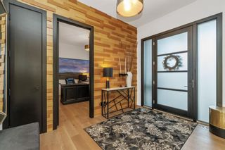 Photo 5: 32 Elveden Bay SW in Calgary: Springbank Hill Detached for sale : MLS®# A1124270
