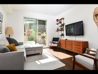 Photo 2: 52 433 SEYMOUR RIVER PLACE in North Vancouver: Seymour NV Townhouse for sale : MLS®# R2420989