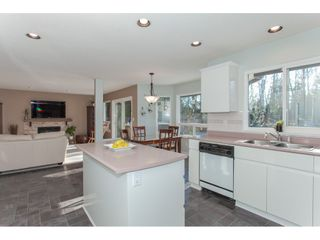 """Photo 11: 10635 CHESTNUT Place in Surrey: Fraser Heights House for sale in """"Glenwood"""" (North Surrey)  : MLS®# R2338110"""