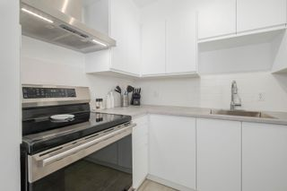 """Photo 11: 306 2133 DUNDAS Street in Vancouver: Hastings Condo for sale in """"Harbour Gate"""" (Vancouver East)  : MLS®# R2614513"""
