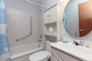 Photo 8: 422 Tipton Ave in : Co Wishart South House for sale (Colwood)  : MLS®# 872162