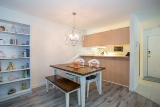 "Photo 5: 105 7465 SANDBORNE Avenue in Burnaby: South Slope Condo for sale in ""SANDBORNE HILL"" (Burnaby South)  : MLS®# R2336474"