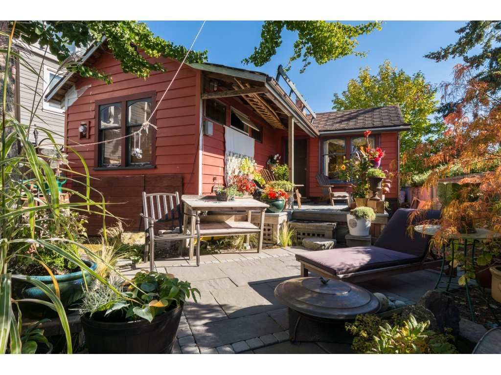 Main Photo: 952 PARKER Street: White Rock House for sale (South Surrey White Rock)  : MLS®# R2114907