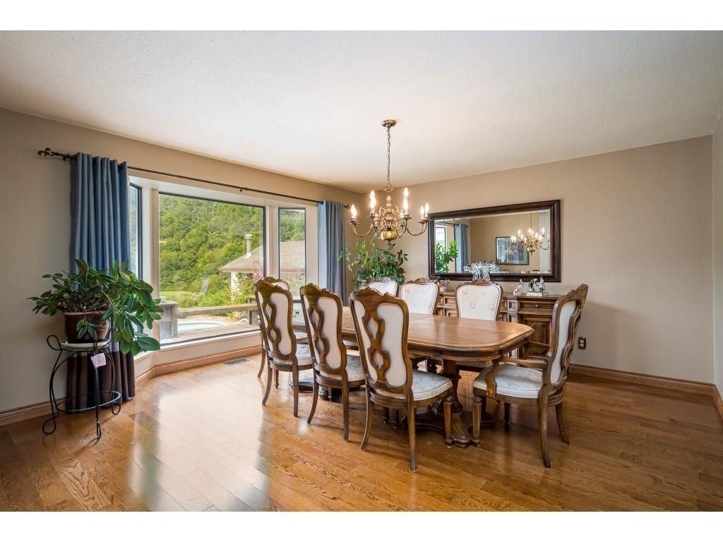 Photo 9: Photos: 21480 18 Avenue in Langley: Campbell Valley House for sale : MLS®# R2616707