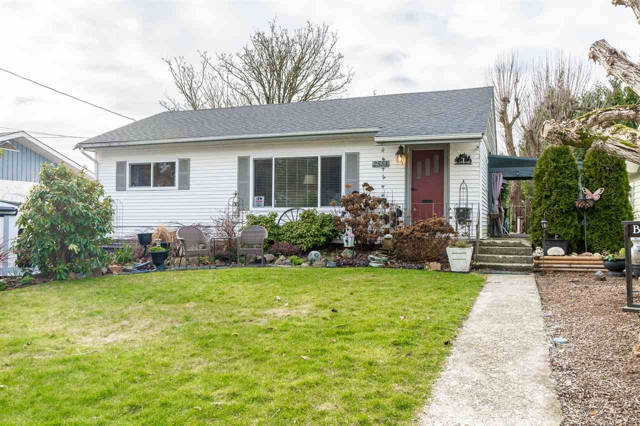 Main Photo: 2551 PARK Drive in Abbotsford: Central Abbotsford House for sale : MLS®# R2533422