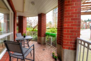 """Photo 12: 208 14 E ROYAL Avenue in New Westminster: Fraserview NW Condo for sale in """"VICTORIA HILL"""" : MLS®# R2244673"""