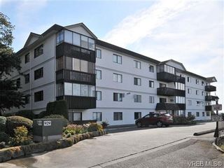 Photo 1: 206 929 Esquimalt Rd in VICTORIA: Es Old Esquimalt Condo for sale (Esquimalt)  : MLS®# 677584