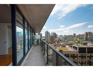 """Photo 4: 1906 108 W CORDOVA Street in Vancouver: Downtown VW Condo for sale in """"Woodwards W32"""" (Vancouver West)  : MLS®# V1121064"""