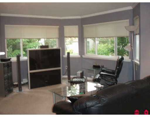 """Photo 5: Photos: 207 9865 140TH Street in Surrey: Whalley Condo for sale in """"Fraser Gate"""" (North Surrey)  : MLS®# F2714461"""