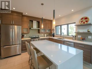 Photo 3: 104 - 433 CHURCHILL AVE in Penticton: House for sale : MLS®# 189336