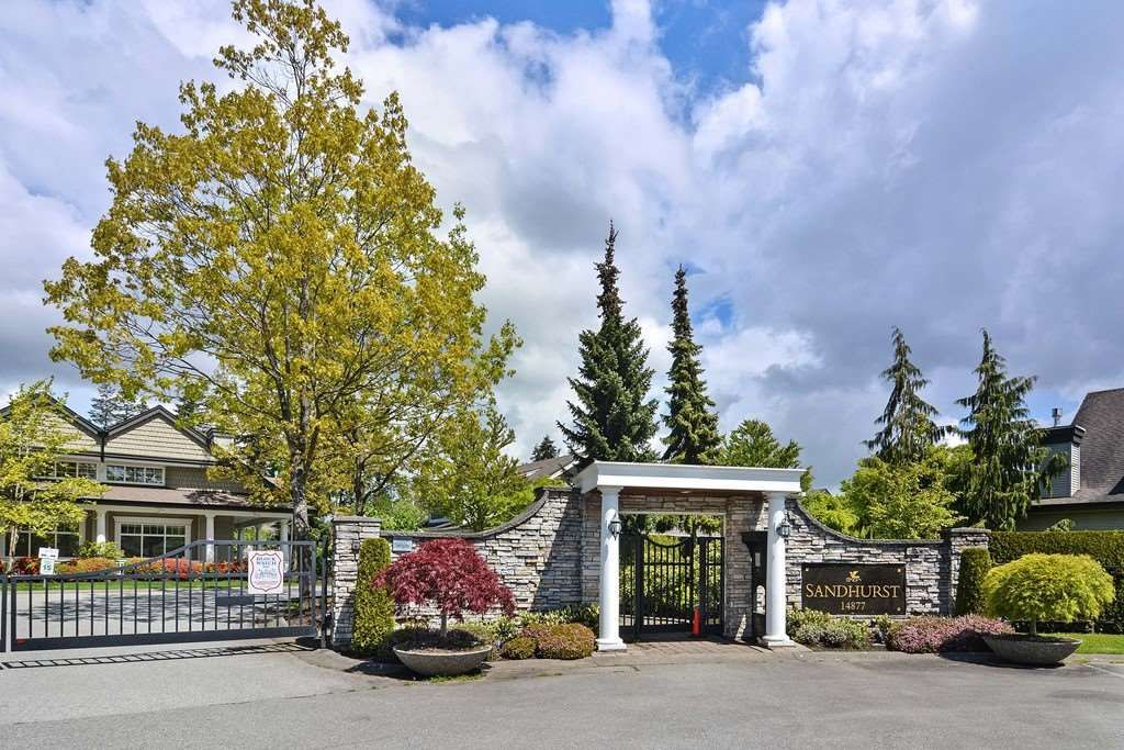 """Main Photo: 55 14877 33 Avenue in Surrey: King George Corridor Townhouse for sale in """"SANDHURST"""" (South Surrey White Rock)  : MLS®# R2165648"""
