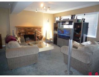 Photo 5: 19707 46TH AV in Langley: House for sale : MLS®# F2906022