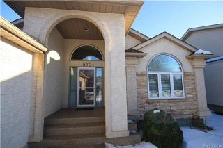 Photo 2: 205 Barlow Crescent in Winnipeg: River Park South Residential for sale (2F)  : MLS®# 1729915