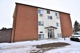 Photo 1: 2 116 Acadia Court in Saskatoon: West College Park Residential for sale : MLS®# SK846341