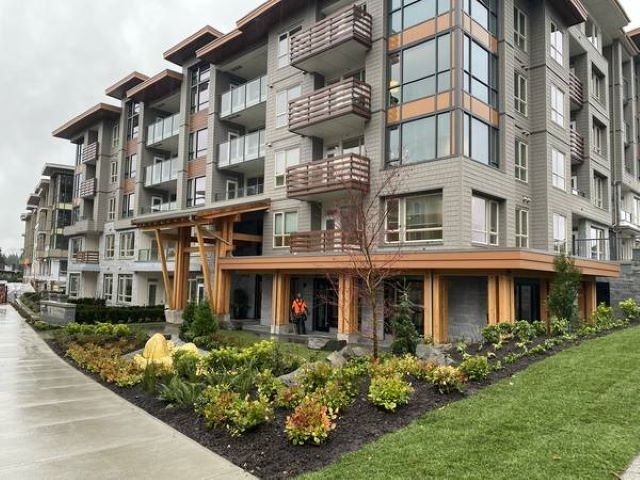 Photo 1: Photos: 407 2663 LIBRARY Lane in North Vancouver: Lynn Valley Condo for sale : MLS®# R2595781