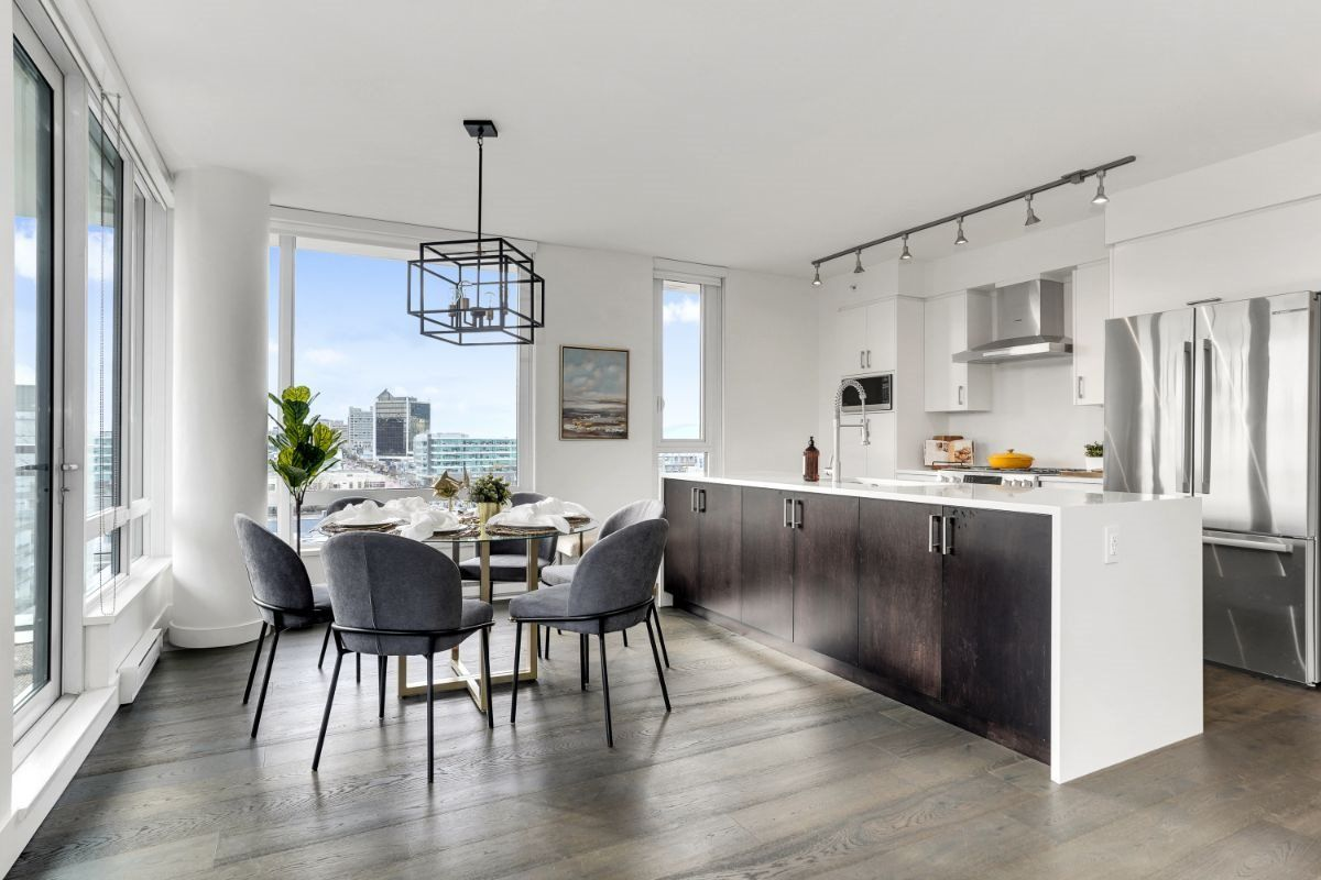 Main Photo: PH2 238 W BROADWAY Street in Vancouver: Mount Pleasant VW Condo for sale (Vancouver West)  : MLS®# R2549036
