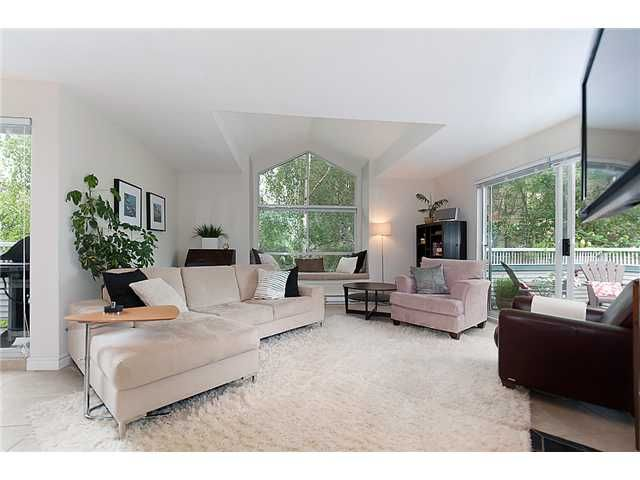 Photo 1: Photos: 401 1465 COMOX Street in Vancouver: West End VW Condo for sale (Vancouver West)  : MLS®# V957828