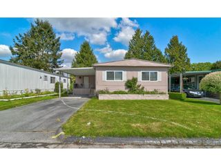 """Photo 3: 251 1840 160 Street in Surrey: King George Corridor Manufactured Home for sale in """"BREAKAWAY BAYS"""" (South Surrey White Rock)  : MLS®# R2574472"""