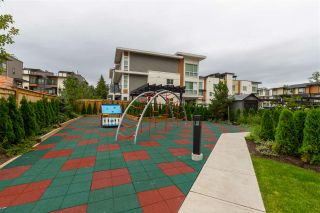 Photo 10: 312 20829 77A AVENUE in Langley: Willoughby Heights Condo for sale : MLS®# R2425055