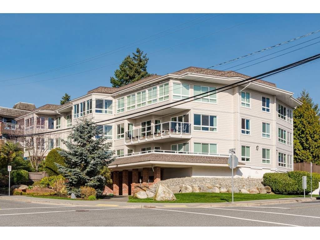 """Main Photo: 104 1322 MARTIN Street: White Rock Condo for sale in """"Blue Spruce"""" (South Surrey White Rock)  : MLS®# R2441551"""