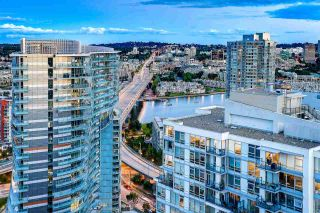 """Photo 4: 3703 928 BEATTY Street in Vancouver: Yaletown Condo for sale in """"THE MAX"""" (Vancouver West)  : MLS®# R2549817"""