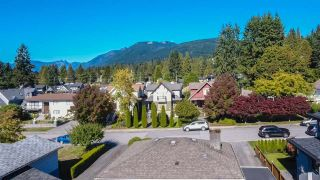 Photo 2: 351 E 20TH Street in North Vancouver: Central Lonsdale House for sale : MLS®# R2216173