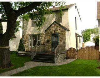 Photo 1: 496 BROCK Street in WINNIPEG: River Heights / Tuxedo / Linden Woods Residential for sale (South Winnipeg)  : MLS®# 2809612