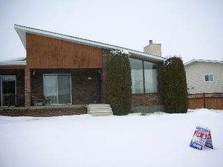 Photo 1: : House for sale (Dunluce)