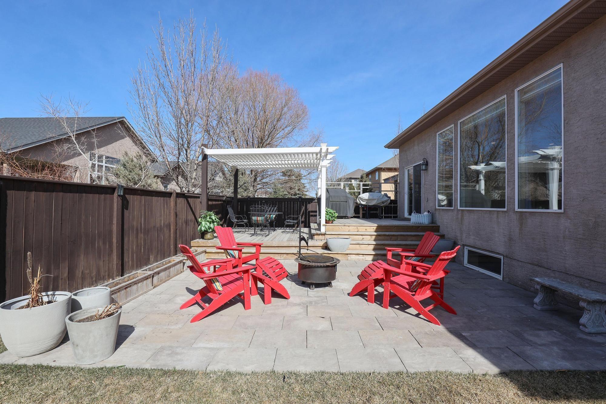 Photo 37: Photos: 7 Castle Ridge Drive in Winnipeg: Linden Ridge Single Family Detached for sale (1M)  : MLS®# 202107901