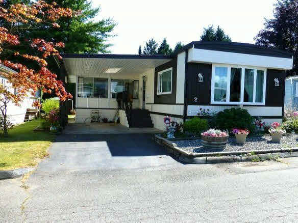 Main Photo: 2 7850 King George Boulevard in Surrey: East Newton Manufactured Home for sale : MLS®# F1418453